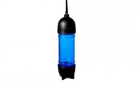 Blue Tube Cache Behälter hängend