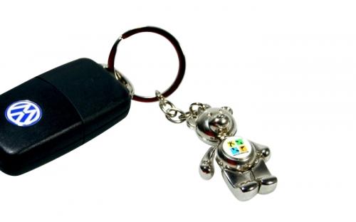 Geocaching Schlüsselanhänger Teddy am Autoschlüssel